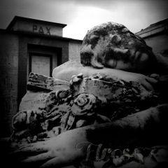 statue photography blackandwhite