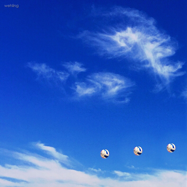 #repeating  #volleyball in flight #photo